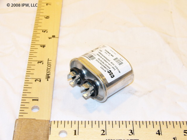 York S1-024-20043-700 5MFD 370V Oval Run Capacitor